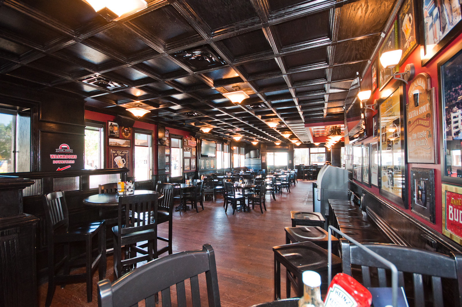 The Pint  Vancouver, Canada – Suspended Wood Ceiling System